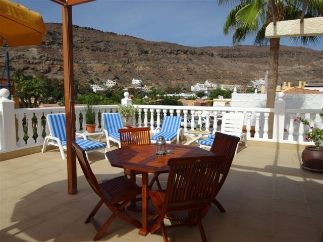 Mirador - 3 Bed Apartment - Beachside - Outdoor Dining & sun loungers