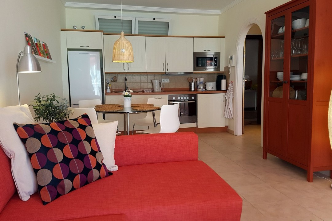 Paraiso 2 - 1 Bed Apartment - Heated Swimming Pool - Lounge Open Plan