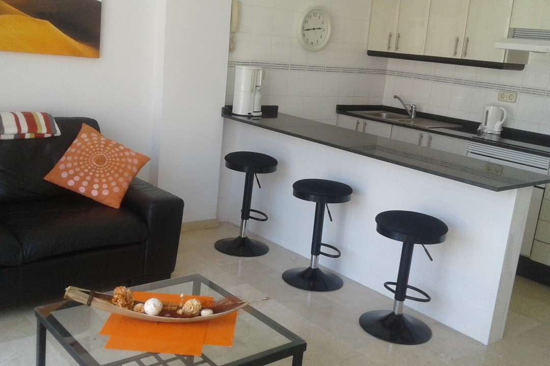 Playa Mogan - 1 Bed Apartment - Central Location - Breakfast Bar