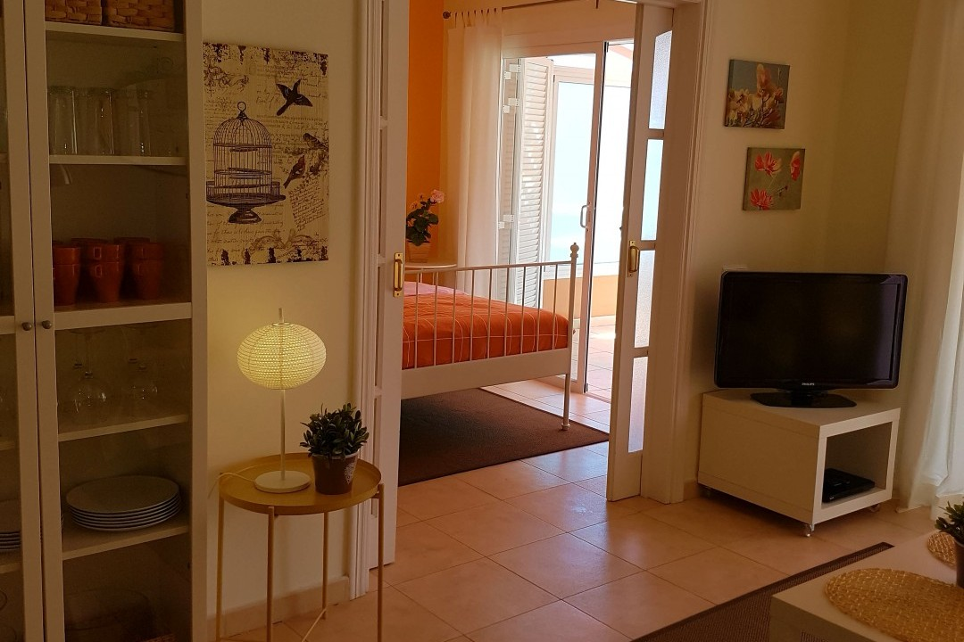 Paraiso 1 - 1 Bed Apartment - Calle La Puntilla - Lounge  with TV