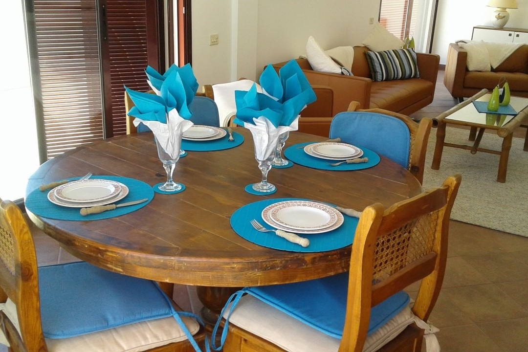 Pescadores  - 3 Bed Penthouse  - Beachside Luxury - Dining Inside