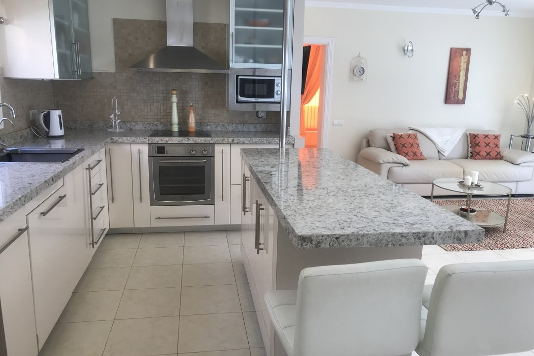 Penthouse Paraiso Mogan  - Luxury 2 bedroomed  -  fabulous views - Kitchen with Island unit