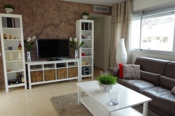 Vista Parq 6 -  1 Bed Apartment - Close to Beach - Lounge  with TV + Wifi